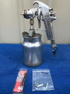 Devilbiss Jga 502 Spray Gun With Devilbiss Cup 30 Tip Rebuild Kit