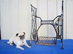 Antique Vintage Cast Iron Singer Treadle Sewing Machine Base Table Legs Stand