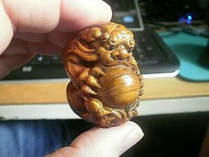 Carved Netsuke Foo Dog With Claws Around Ball Wooden Boxwood Collectable 7