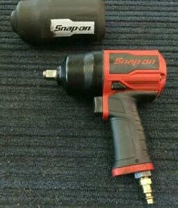 Snap on 1 2 Drive Air Impact Wrench Gun Pt850 W Boot Sleeve Works Great