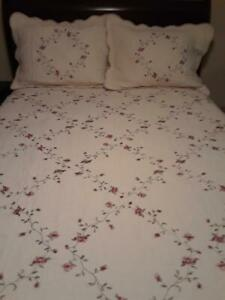 Better Homes And Gardens Full Queen Size Quilted Bedspread With Shams