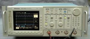 Tektronix Tds544a 500mhz Color Digital Oscilloscope W Options Tested Good