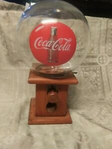VINTAGE COCA-COLA GUMBALL MACHINE Glass Globe w Wood Base In working condition