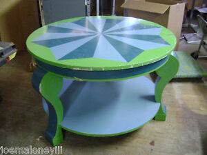 Round Display Table Blue Green Table