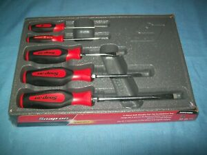 New Snap on 5 piece Red Soft Grip Flat Head Screwdriver Set Sgds50br Sealed