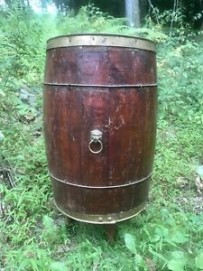 Vintage Metal Banded Wooden Nail Keg Barrel With Three Legs Decorative Lions