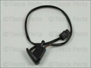 New Oem Windshield Washer Fluid Air Duct Instrument Nozzle 2004 2008 Crossfire