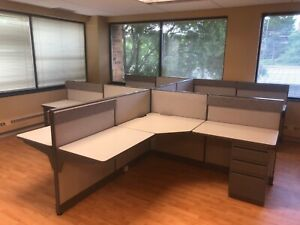 Pod Of 4 6 X 6 X 42 h Ea cubicles Partitions By Haworth Unigroup In Gray