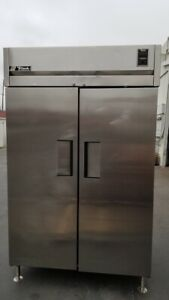True Tr2r 2s All Stainless Steel 2 Door Refrigerator 115v With 6 Wire Shelf Work