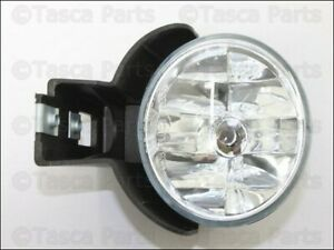 New Genuine Oem Lh Left Driver Front Fog Light Lamp 2000 Dodge Durango Dakota