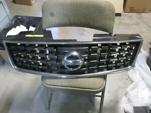 2008 Nissan Sentra Front Grill With Emblem
