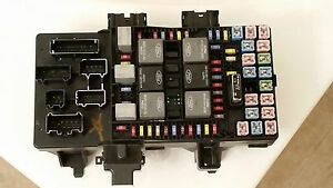 2003 2004 2005 2006 Ford Expedition Lincoln Navigator Fuse Box Relay Panel