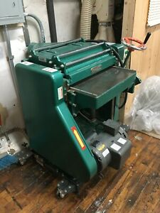 Grizzly G0544 20 5hp Helix Head Industrial Planer