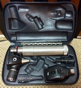 Welch Allyn Diagnostic Set Otoscope Ophthalmoscope 11720 W case