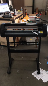 Used 24 500g Cutting Plotter Vinyl Cutter For Pu Vinyl Cutting Machine