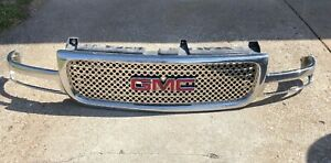 2001 06 Gmc Yukon Sierra Xl Denali Chrome Grille 15755395 Local Pick Up Only