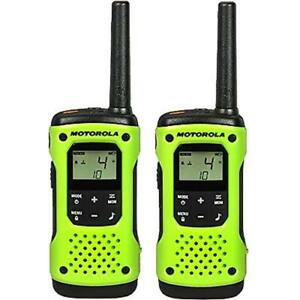 Motorola 2 way Radio 2 pack 35 Miles Green Float