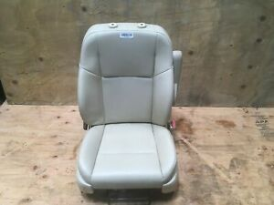 2010 Volkswagen Routan Front Right Passenger Side Seat Leather W Armrest Oem