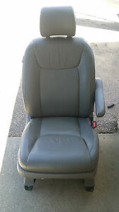 Toyota Sienna Front Right Passenger Power Seat Gray Leather