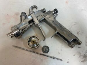 Iwata Lph 400 Hvlp 1 4 Spray Gun 2 Cups And Parts