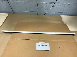 2006 Toyota Sienna Front Left Driver Side Door Exterior Molding White Oem