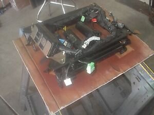 99 04 Jeep Grand Cherokee Driver Side Power Seat Track With Memory