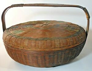 Vintage Basket W Lid Handle Remnants Of Paint Decoration Very Nice Condition