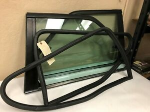 Bmw E30 Oem Pop out Windows With Seals Latches
