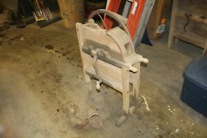 Antique Corn Sheller Grinder Farm Country Store Barn Restaurant Decoration