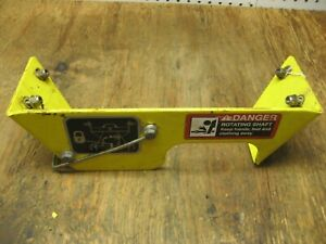 John Deere 47 2 Stage Snow Blower P t o Power Guard Am126981