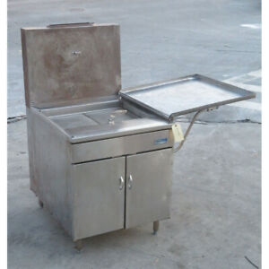 Pitco 26 s Natural Gas Fryer Used Very Good Condition