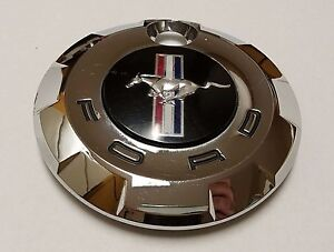 2005 2009 Ford Mustang Oem Trunk Lid Chrome Emblem Lock Cover 4r33 6342508 ad