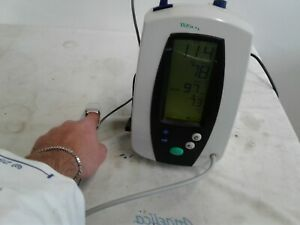 Welch Allyn Vital Signs Monitor 420 Series With Nellcor Spo2 Sensor And Cuff