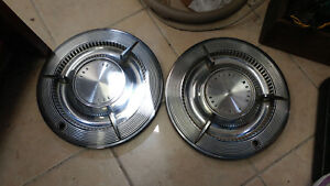Pair Of 1961 Pontiac W Spinner Wheel Covers Hubcaps Holl Y 6 Full Size Models