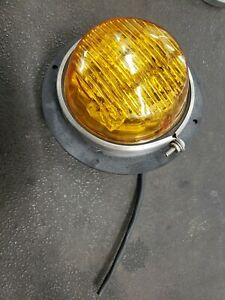 Whelen 200 Series Tir6 Extended Amber With Mounting Bucket
