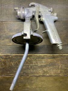 Devilbiss Spray Gun Jga 30 Nozzel With Cup Mount No Cup As Is
