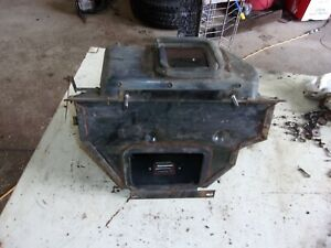 Jeep Cherokee Wagoneer Engine Compartment Heater Box Core Housing Removed 1976