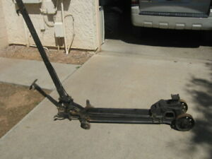 Vintage Mechanical Floor Jack 1920s Walker Roll a car