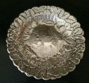 Vintage Reed Barton Silver Plated Strawberries Charger Shallow Bowl Plate 115