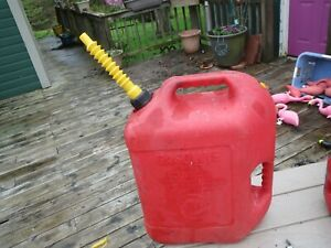 Blitz 6 Gallon 16 Ounce Vented Red Gas Fuel Can Spout Pre Ban Nice