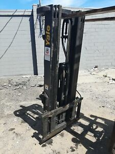 Yale Hyster D563 3 Stage Forklift Mast Class 3