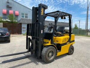 2016 Yale Glp060vxn 6000lbs Used Pneumatic Forklift Triple Mast Side