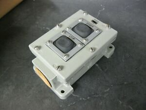 Eaton Cutler Hammer Control Station Push Button Switch Start stop 6981ed172 20
