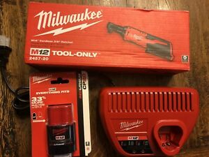 New Milwaukee 2457 21 M12 3 8 Ratchet Kit With 1 Battery 2 0 And Charger