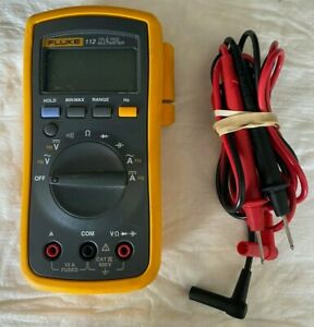 Fluke 112 Handheld True Rms Digital Multimeter With Test Leads In Nice Condition