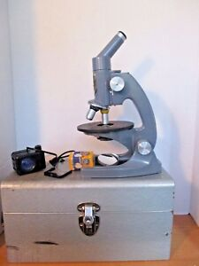 Vintage Bausch Lomb 1731 Microscope With Light Source istx81 metal Case