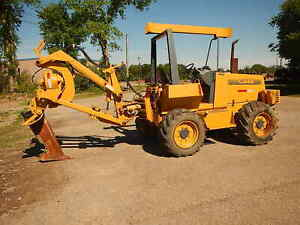 Case 760 Vibratory Plow With Two Blades trencher Ditch Witch Vermeer Astec