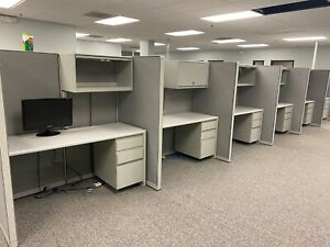 Telemarketers Cubicle partition System By Steelcase 9000