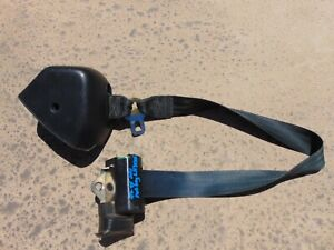 1994 95 Ford Mustang Convertible Black Has Fray Lh Drivers Front Seat Belt