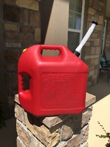 Blitz 5 Gallon Plastic Gas Can Vented With New Spout